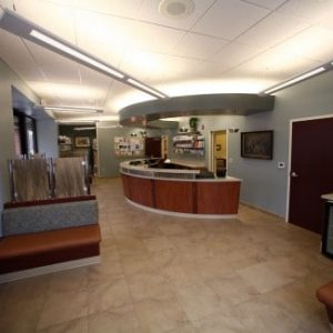 Fairway-Animal-Hospital-Reception-1-Web-487x325